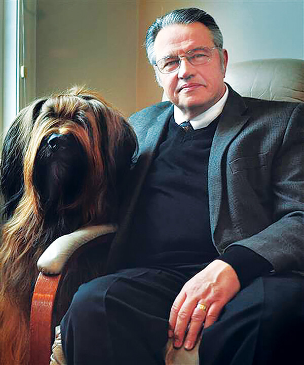 NOBODY'S LONESOME WITH MAN'S BEST FRIEND. Rick Pendergast is a cop turned attorney turned writer.