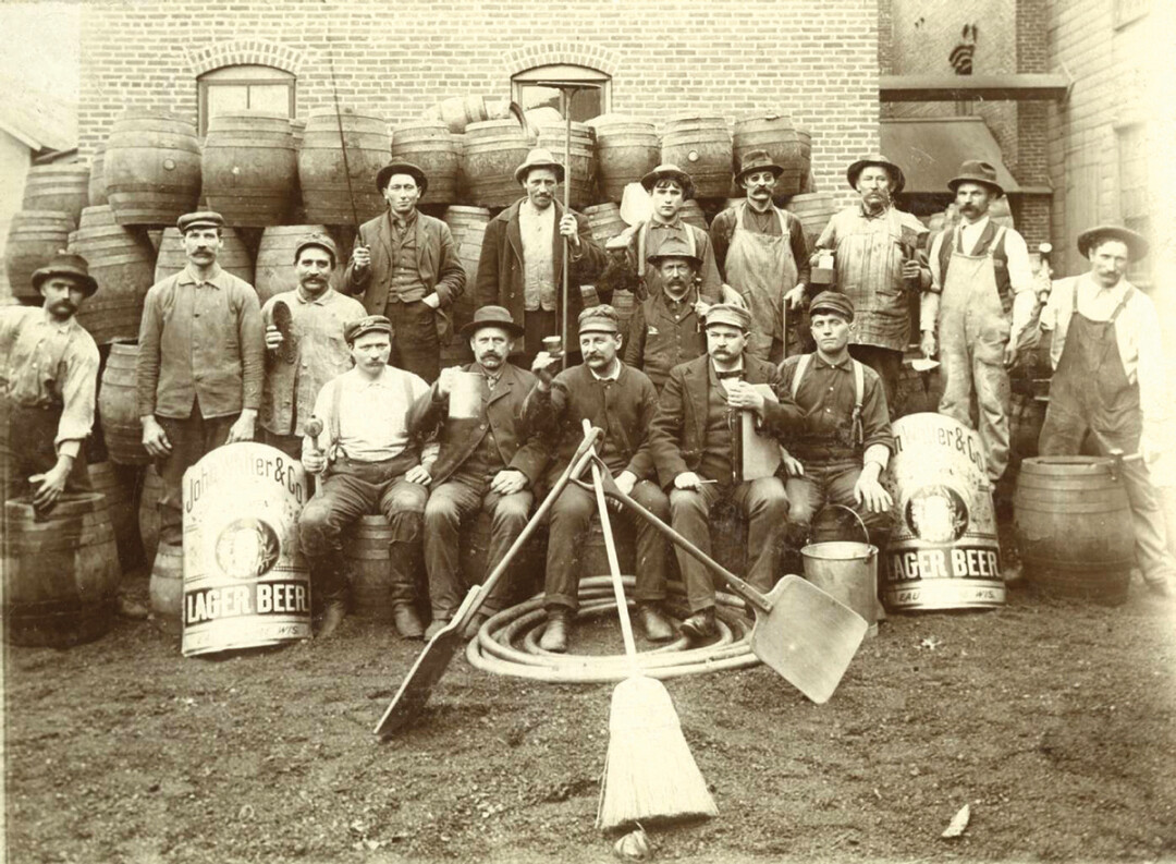 Walter Brewing Co. employees, early 20th century