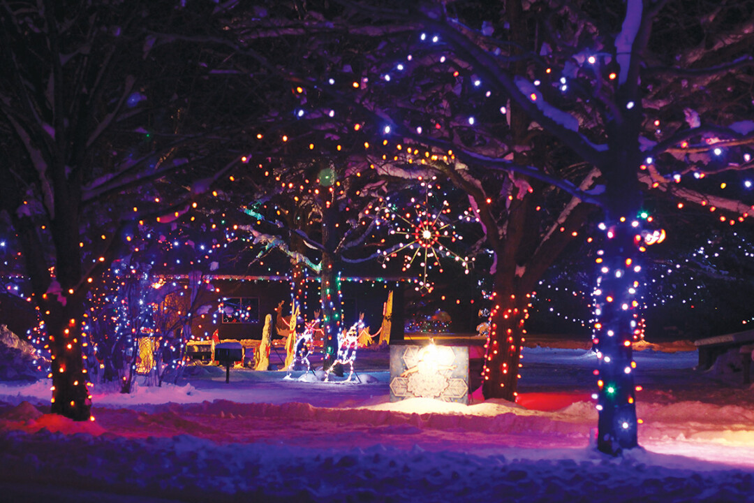IRVINE PARK CHRISTMAS VILLAGE • Nov. 28-Jan. 1