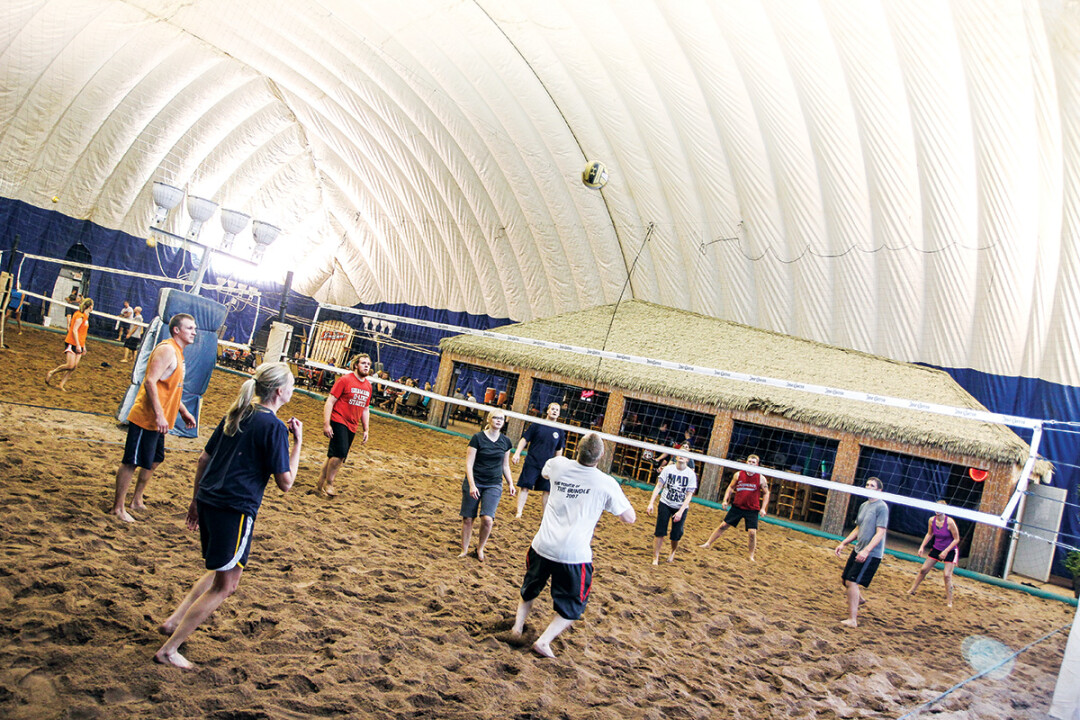 Indoor Volleyball at Loopys in Chippewa Falls